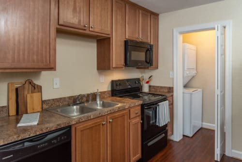 kitchen at walkers chase townhomes